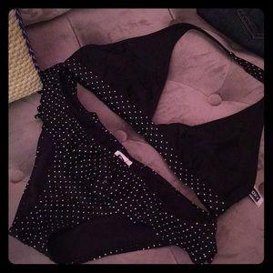 Roxy bikini top and bottom. xl